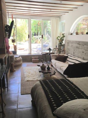 Topanga/Malibu Garden Studio Master Room