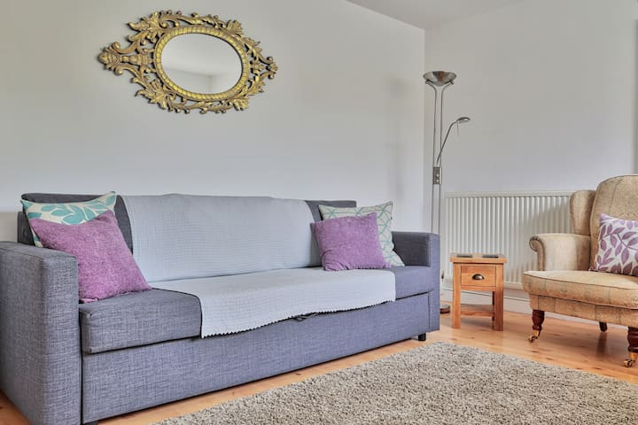 Sitting room with Double sofa bed