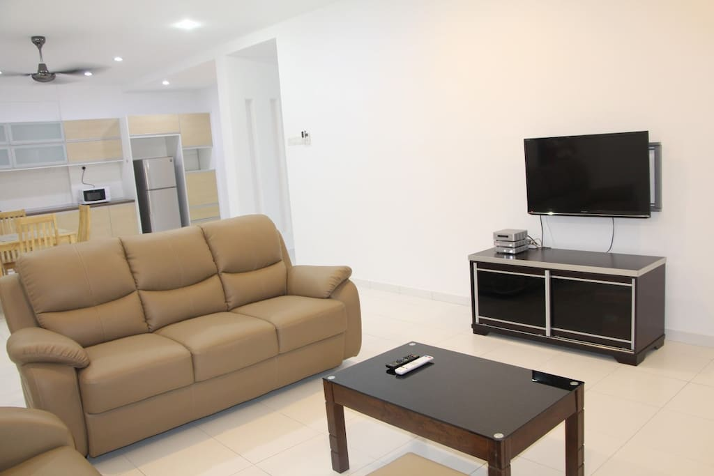 Coffee Table and TV, WIFI