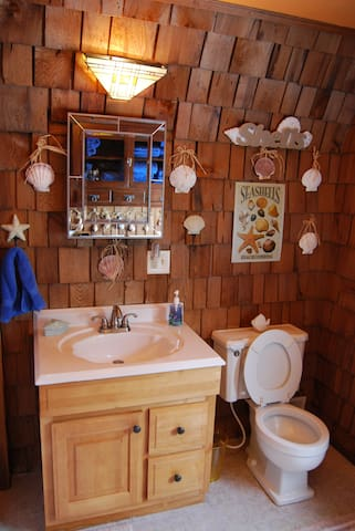 2 Classic Bathrooms