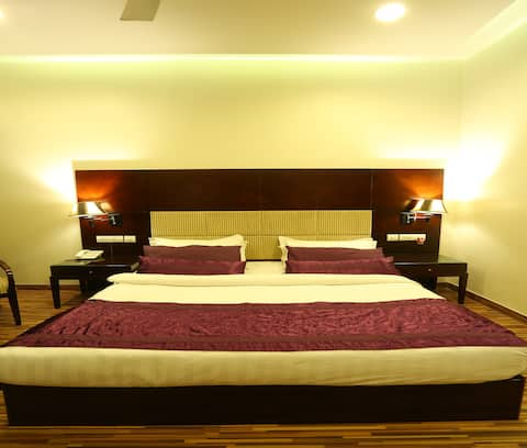 Deluxe Room - Cozy and Air Conditioned