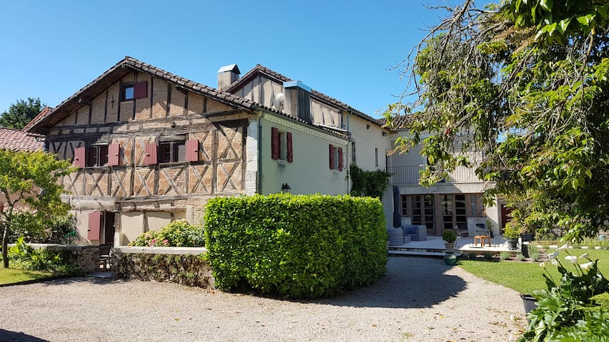 Le Clos du Benestar , à Mauvezin d Armagnac .