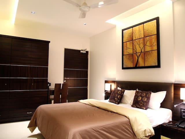 Stylish Studio Apartment in Ville Parle, Mumbai