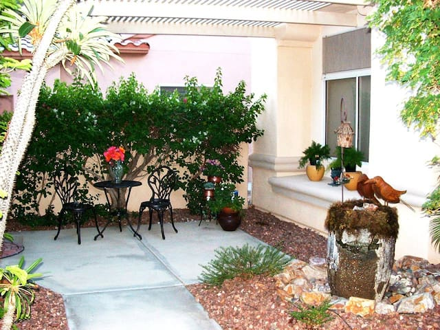 Upscale Casita in Del Webb Sun City Country Club - Palm Desert