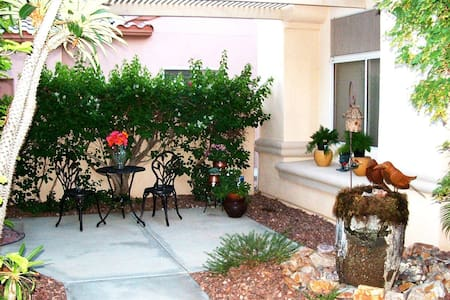 Upscale Casita in Del Webb Sun City Country Club - Palm Desert - Gæstehus