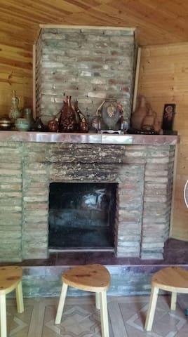 Дом  с удобствами в центре Телави.