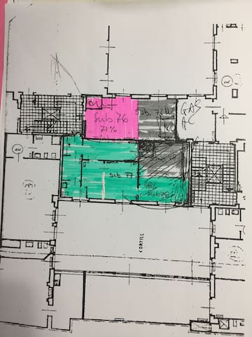 """Apartment blueprint (in """"green"""" from left to right & top to bottom): entrance, bypass bathroom, corridor  (sigle foldable IKEA Sandwika guest bed) kitchen/living room with king size couch bed and bedroom with king size bed."""