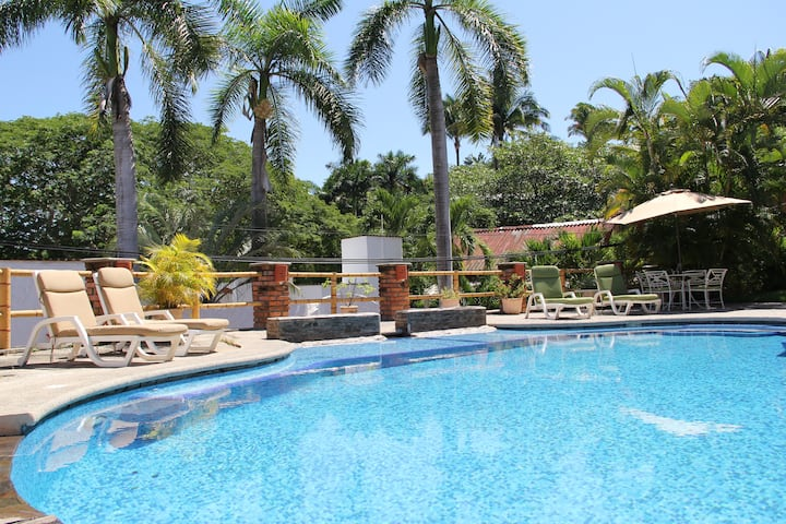 ♥ Pool View + Queen Suite + WiFi + AirCon ♥