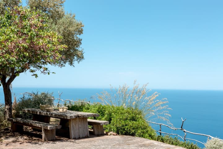 House with a stunning sea view in Deia.