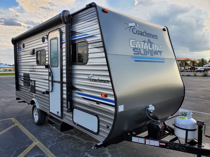 FREE DELIVERY! 2019 Catalina Summit. EASY TOW!
