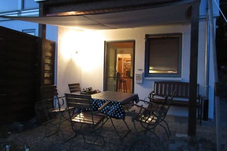 Einliegerwohnung mit sep. Schlafzimmer - Owingen - Apartament