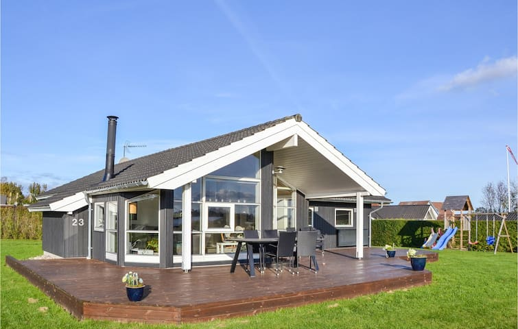 Holiday cottage with 3 bedrooms on 110m² in Jægerspris