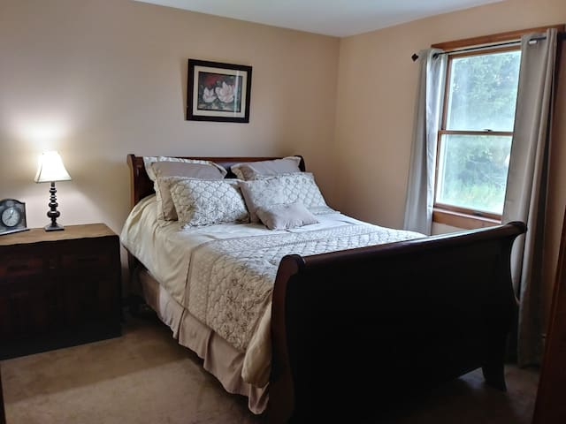 RELAXING RETREAT CLOSE TO ITHACA/CORTLAND, i-81!