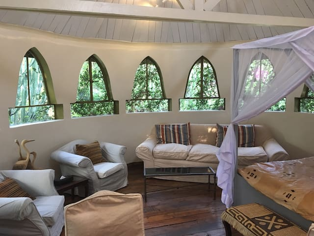 Cottage at Ngong House on 10acres of nature. Karen