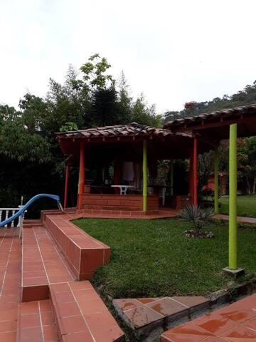 Finca de descanso la Bonita en Guatapé