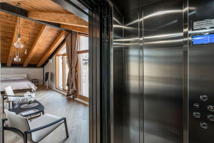 Rooftop Suite