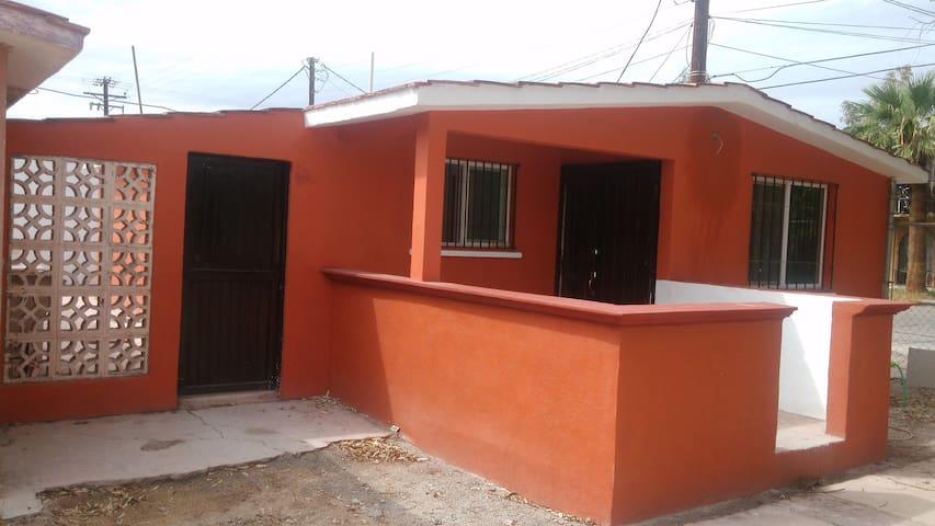 CasaS/completa independiente terraza cochera 2auto - Mexicali - Casa