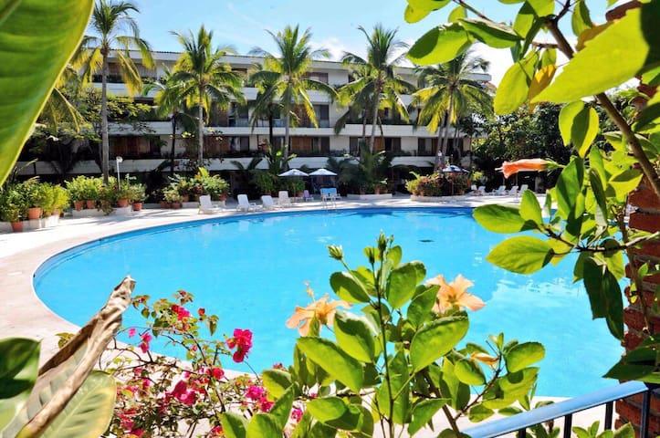 Bellas y cómodas suites en zona hotelera de Ixtapa