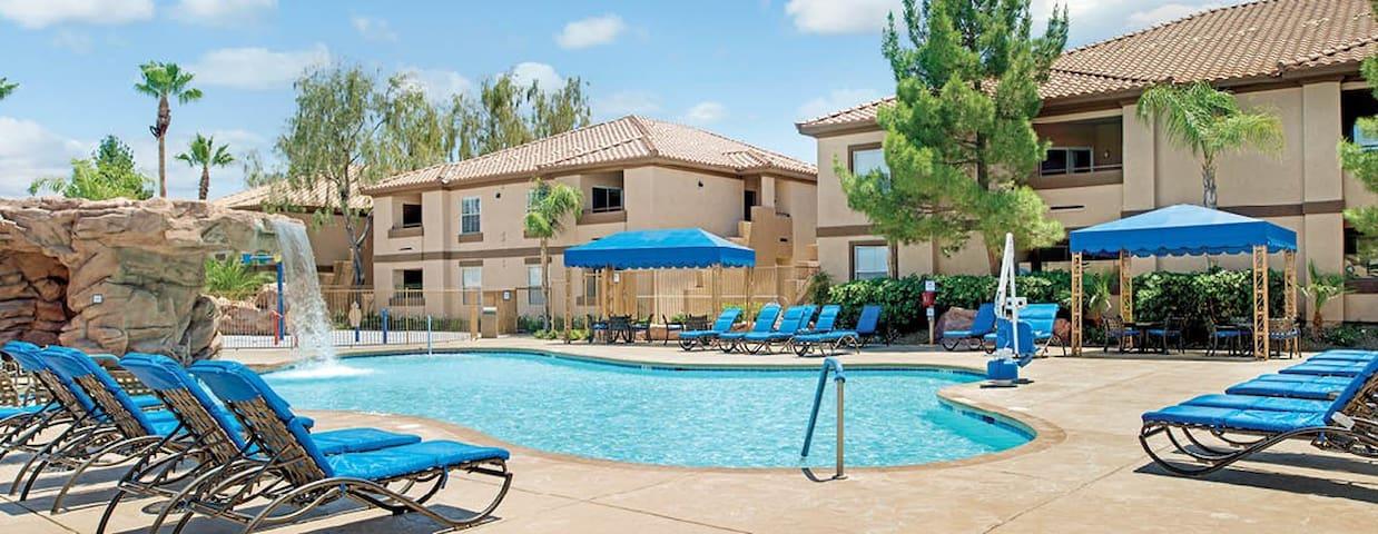 Las Vegas: Desert Paradise Resort
