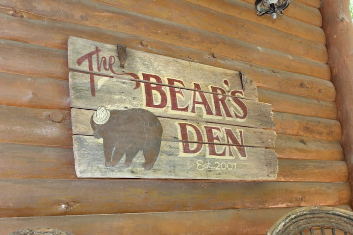 Bear's Den on Lake Nantahala, Mountain/Lake Views