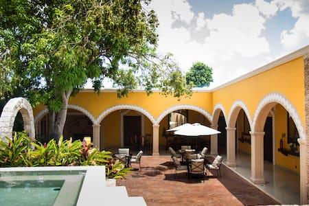 Villa San Antonio de Padua - Izamal