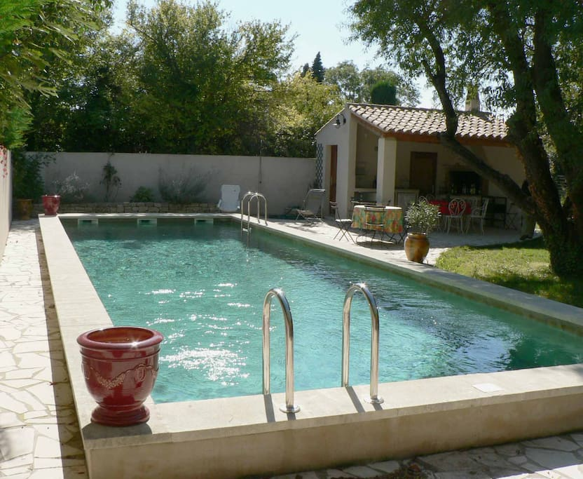Maison avec piscine et grand jardin houses for rent in for Piscine les angles