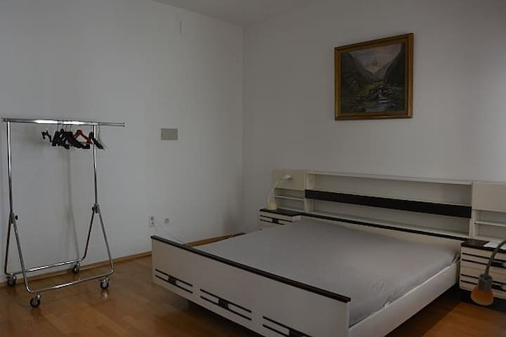 Calm and cosy One-Bedroom-Apartment, City Center!