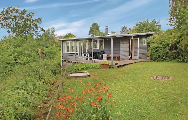 Holiday cottage with 3 bedrooms on 55 m² in Fredericia