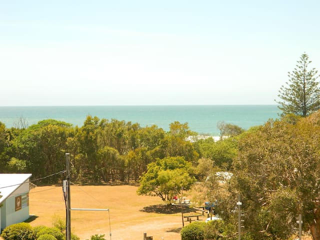 Vue Dile 3 Bedroom Ocean View Apartment - Mudjimba - Apartemen