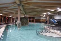 La piscine a proximité