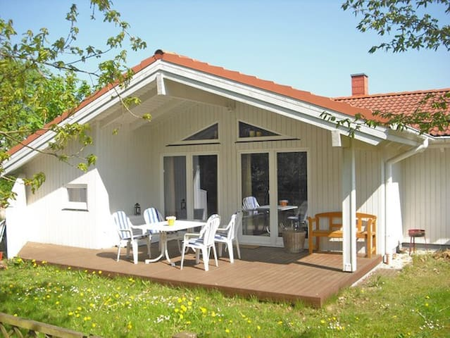 Beautiful apartment on the Baltic Sea - Köhn - House