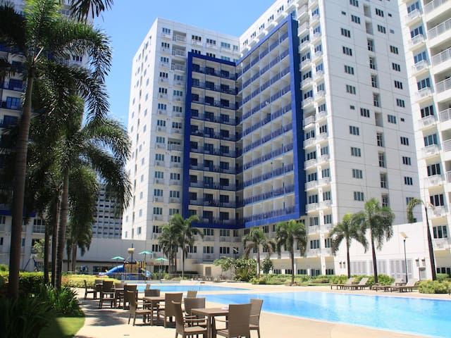 Sea Residences Building F, Infront of Mall of Asia