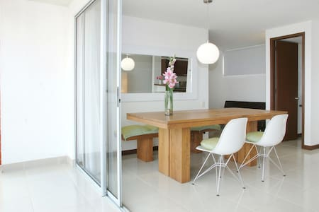 Big 3 bedroom apt in south Cali - Apartment