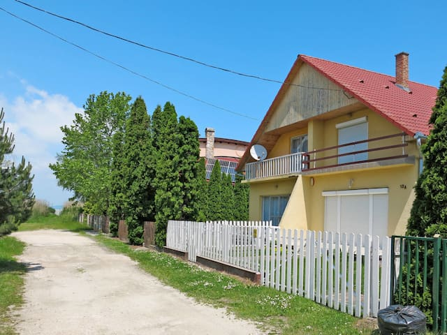 Comfortable holiday home in Balatonfenyves