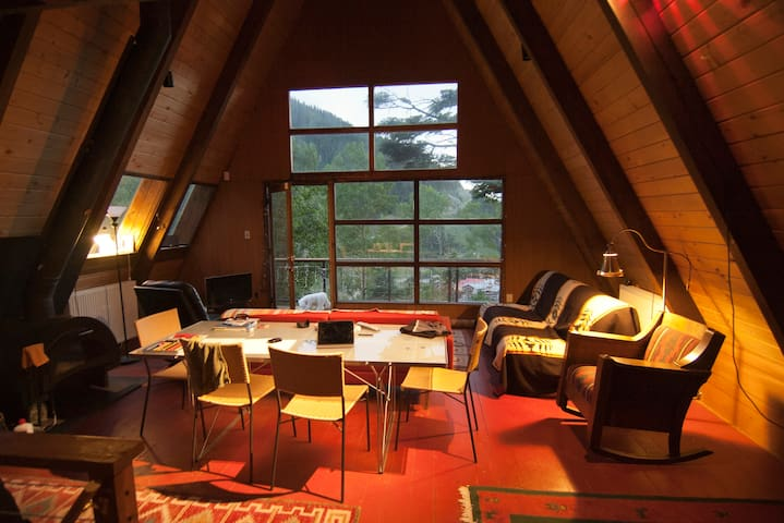 5 Person Cabin, Historic A-Frame - Taos Ski Valley