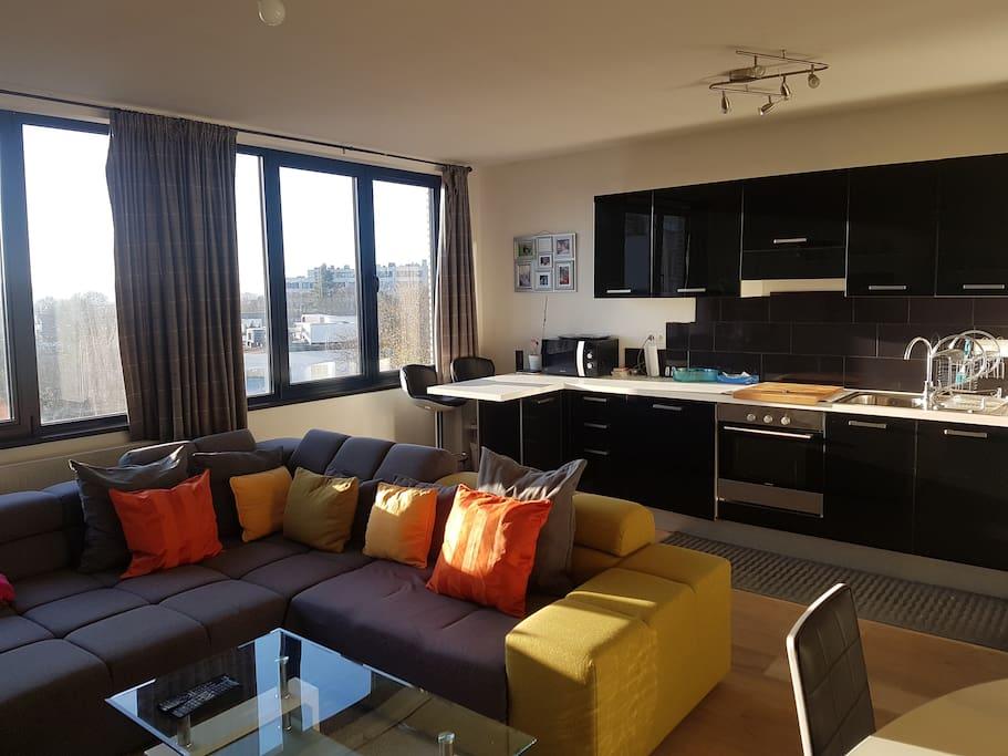 spacieux lumineux appart meubl avec vue sur uccle forest bruxelles. Black Bedroom Furniture Sets. Home Design Ideas