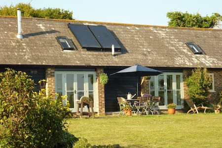 St Benedicts Byre B&B - nr Battle - Crowhurst - Bed & Breakfast