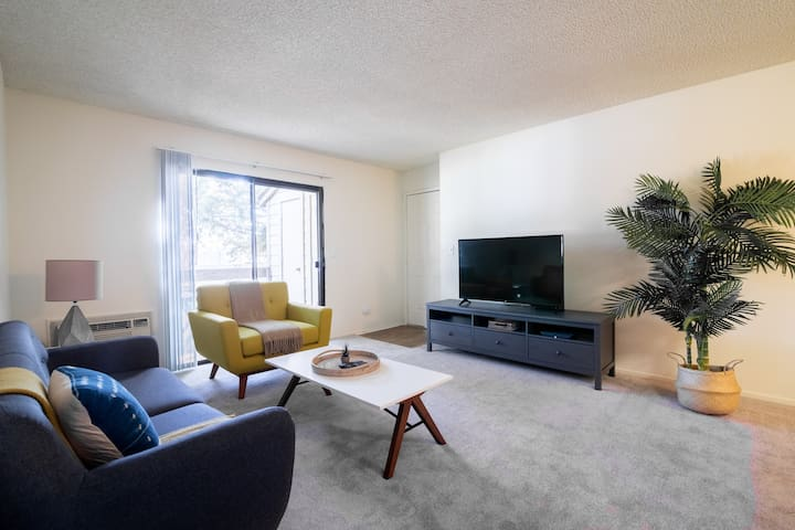 Furnished Pet-Friendly 2BR in Fremont w/ Parking
