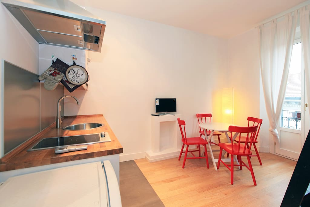 Studio between navigli and bocconi appartamenti in for Studio i m immobiliare milano