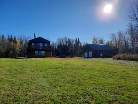 The Hilltop Cabin - Direct ATV & Snowmobile access