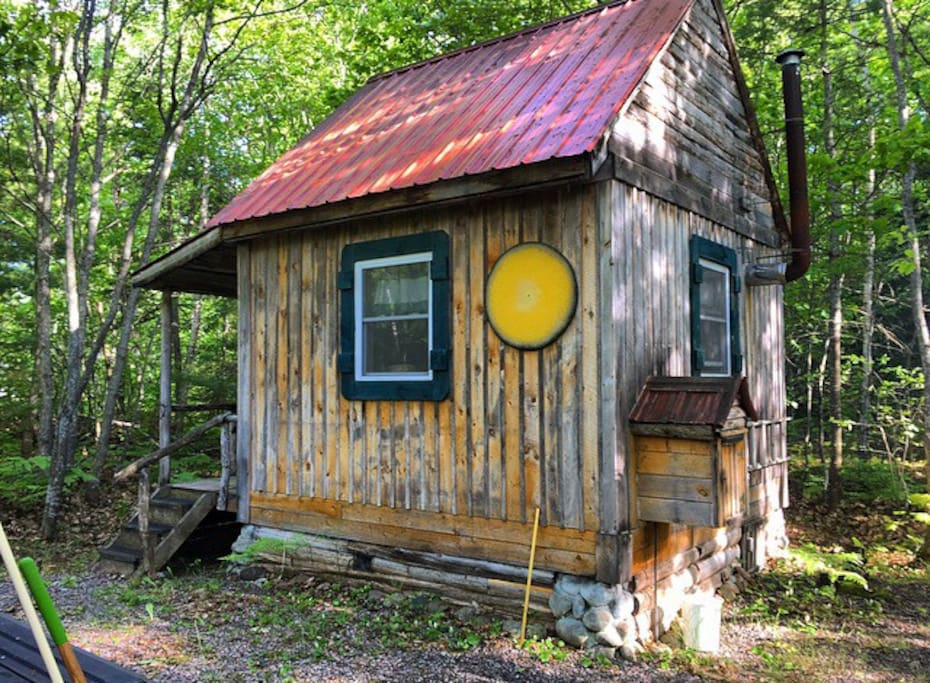 Rustic Handcrafted Log Cabin Tiny Houses For Rent In