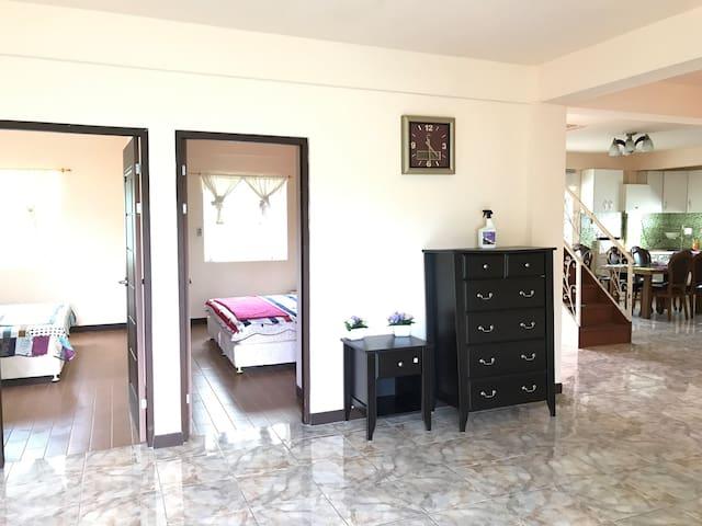 Private Villa (a.k.a White Mansion) - Garapan