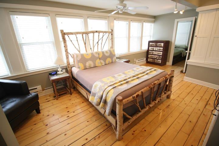 White Birch Suite - Goldberry Woods