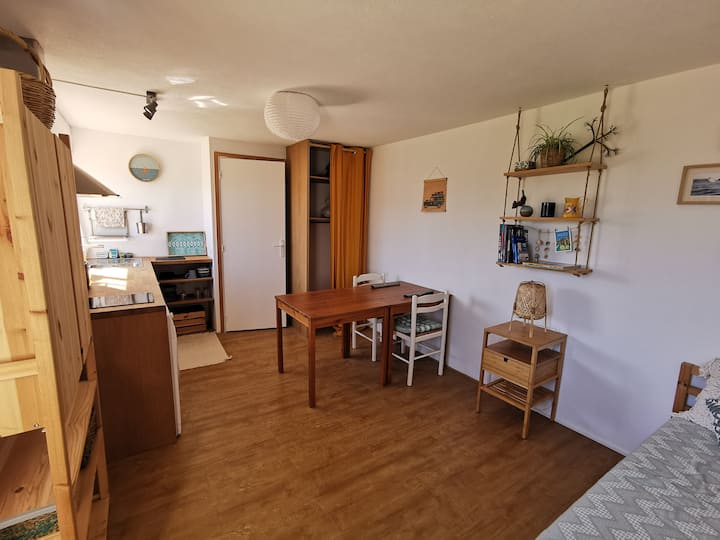 Charming Surfer studio 5 minutes from the beach