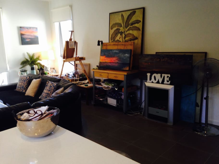 Home Studio- offering art tuition classes ~ relaxed, informative & fun. Booking required.