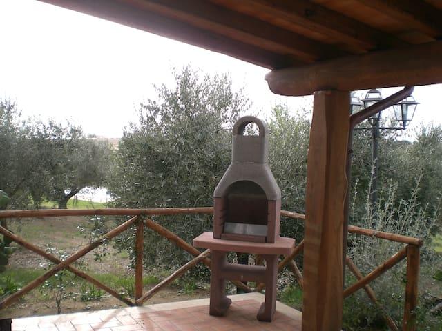 Piccolo chalet a 3km dal mare - Pescia Romana