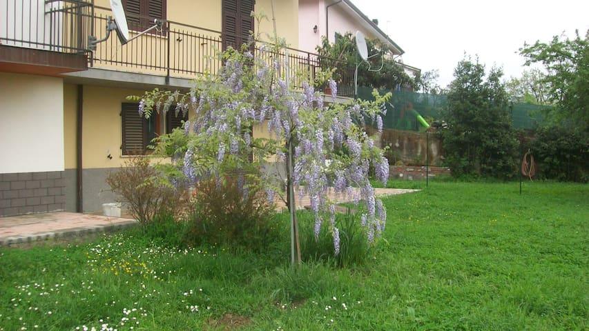Grazioso appartamento in villetta - Bolano - Dom