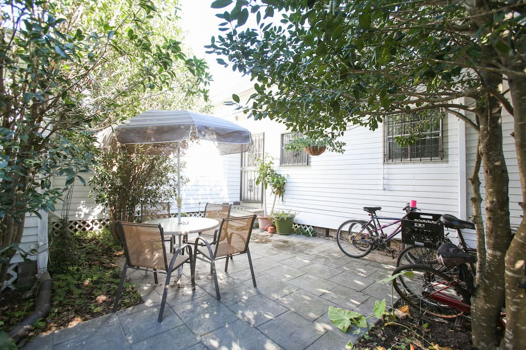 Patio furniture, 4 bicycles and hammock are available for guest use!