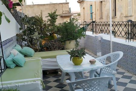 Charming flat City Center & terrace