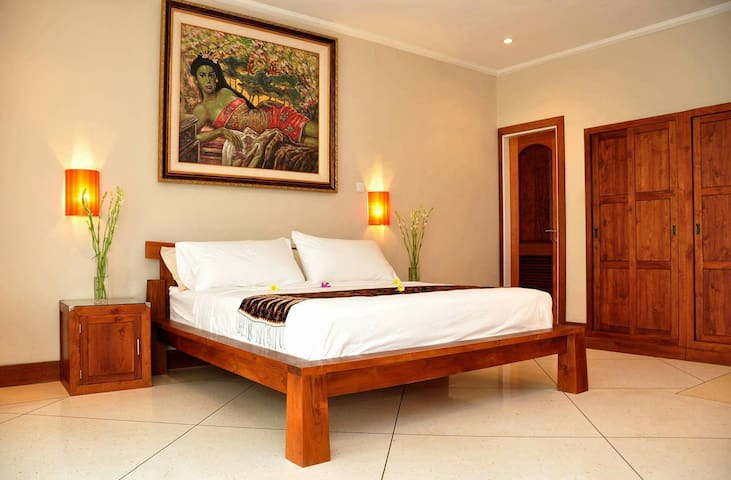 Master suite W/ pool & breakfast - Tampaksiring - Bed & Breakfast